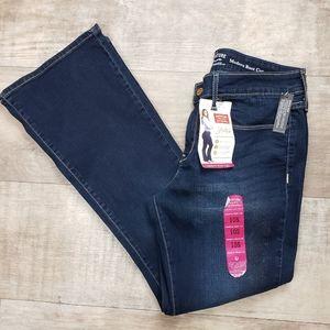 NWT Levi's women's size 10S Modern bootcut jeans